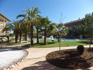 *RENTED until Dec 2021* Quality apartment near the beach