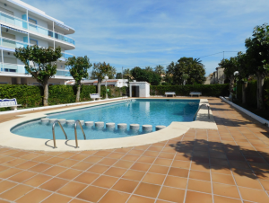 *RENTED UNTIL MAY 2020* Apartment close to beach