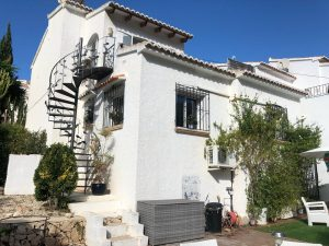 Villa with sea views between Benitachell and Moraira
