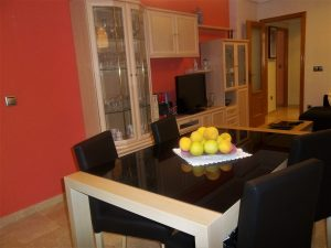 Refurbished 2 bedroom apartment