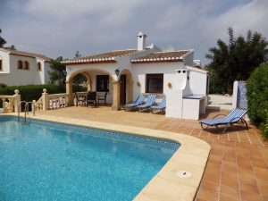 *SOLD SUBJECT TO CONTRACT* Immaculate villa Valle de Sol