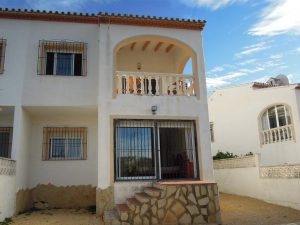 *RENTED* Three bedroom linked villa in Les Fonts