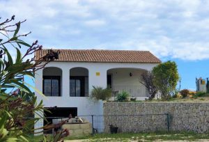 2 Bedroom villa with lots of land and open views