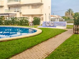 Apartment located in a lovely development 300M from sea
