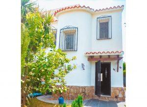 4 bedroom villa located in a nice development