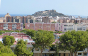 Updated apartment in Juan XIII Alicante City
