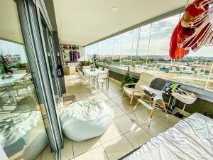 Modern 3 bedroom flat located in a nice development