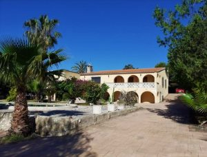 4 bedroom villa with swimming pool in the centre of Alfaz