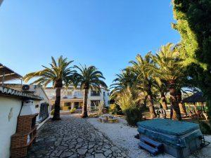 Stunning 8 bedroom villa in Javea