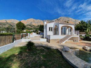 Fully refurbished and updated South facing villa