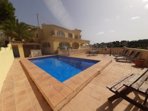 Investment opportunity – villa as 4 separate apartments