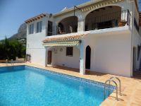 South facing villa located in the Castellans area of Javea